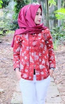 Pakaian batik casual hijab konsep santai