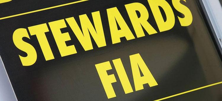 Cartel de los comisarios de la FIA en los circuitos de F1