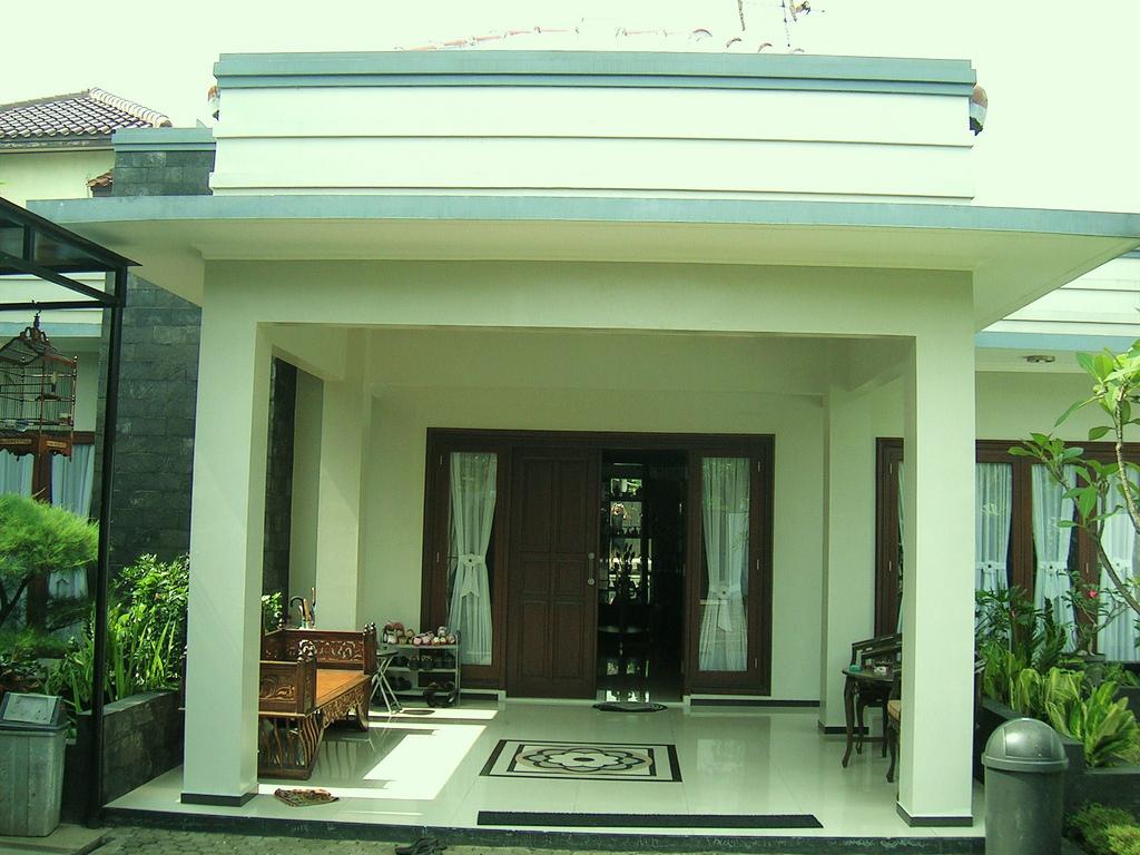 Desain Teras Rumah Terbaru