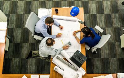 EQUI adalah sebuah platform yang menghubungkan antara investor profesional atau investor individual pemula dengan para pemilik ide kreatif yang ingin berinovasi mengembangkan sebuah project.