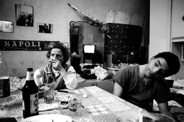 Mario Spada, fotografia in bianco e nero di abitazione a Napoli