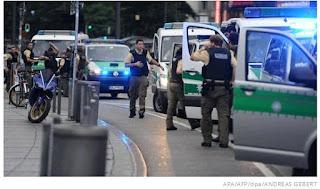 Four injured in Munich knife attack