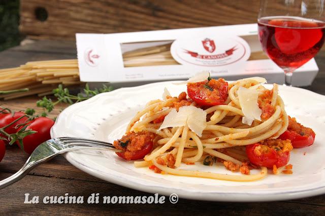 """Bucatini con pomodori """"arraganati"""""""