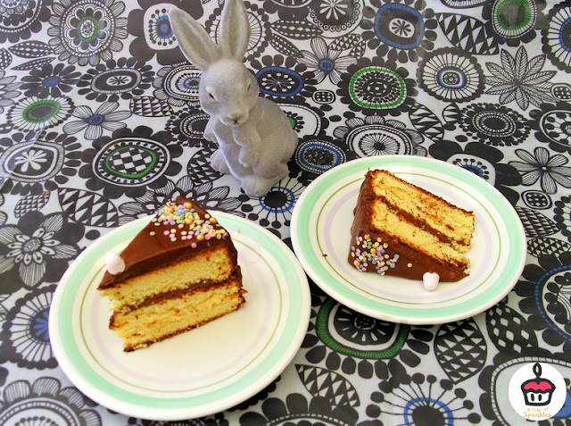 Two ingredients chocolate frosting & vanilla cake || Glaçage au chocolat 2 ingrédients & gâteau à la vanille
