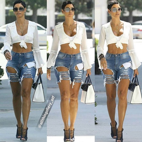 Nicole-Murphy-showcases-her-hot-body-in-new-photos-3