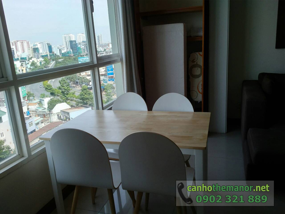 Căn hộ The Manor HCM tầng 10 diện tích 98m2 - bàn ăn view đường Nguyễn Hữu Cảnh