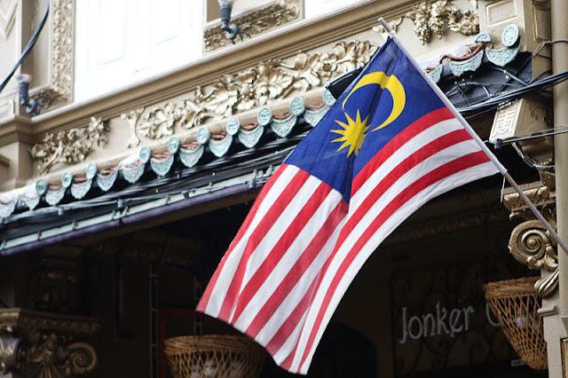 Ingin Daya Beli Kuat, Mahathir Bebaskan Pajak Barang dan Jasa