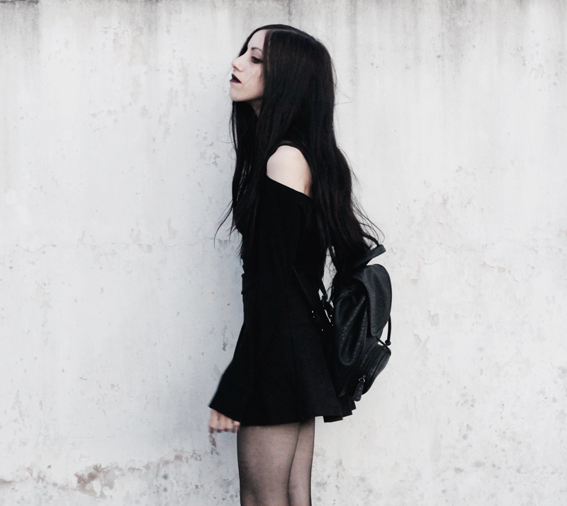 outfit, blogger, blog, fashion, nocturne, gothic, black, hair, jenn, potter, argentina, pale, backpack