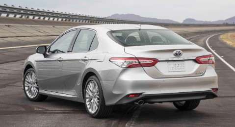 2018 Toyota Camry and Camry Hybrid trim levels and pricing