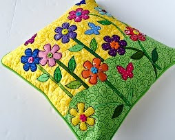 http://translate.googleusercontent.com/translate_c?depth=1&hl=es&prev=search&rurl=translate.google.es&sl=it&u=http://so-sew-easy.com/spring-applique-pillow-cover/&usg=ALkJrhiTrxmbfHIXFY0OGeo0NNlrtSDZYg