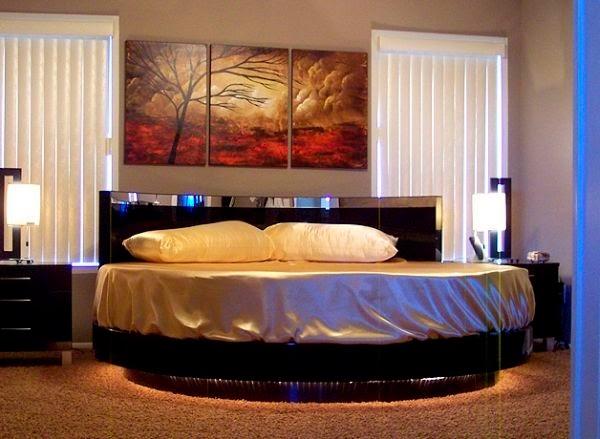 dormitorio con cama circular