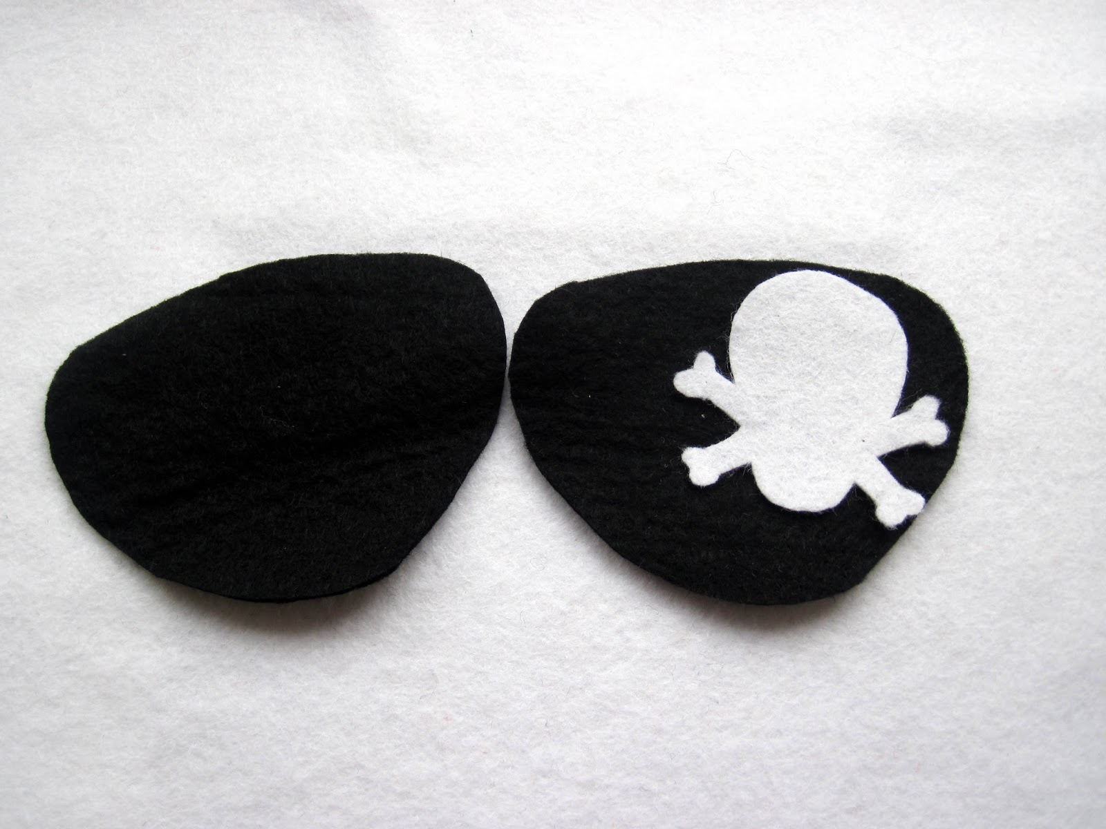 how to wear a pirate eye patch