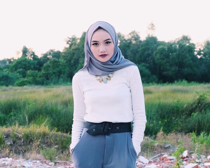 Bruneian Blogger Bash Harry from Hey Bash wearing White and Greys