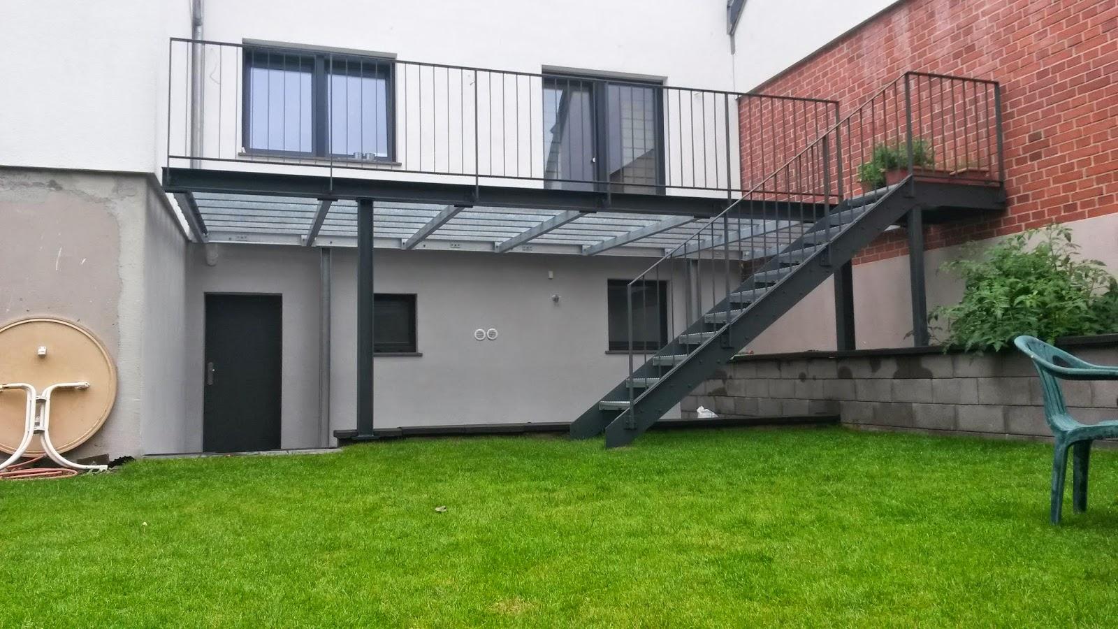 fr bel metallbau stahlterrasse mit stahltreppe in br hl. Black Bedroom Furniture Sets. Home Design Ideas