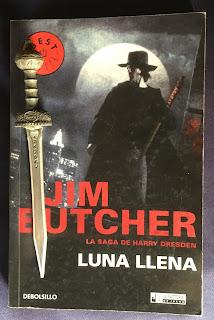 Portada del libro Luna llena, de Jim Butcher