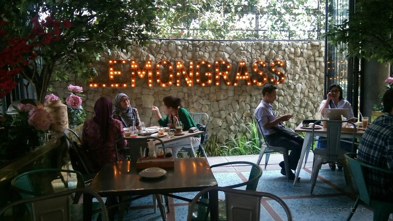 Suasana di Lemongrass Bogor