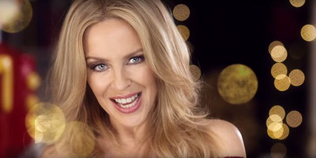 Kylie - Every Day's Like Christmas - Official Video - testo e accordi