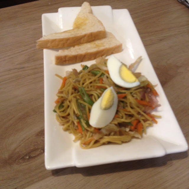 Pancit canton at Rodeo Grill