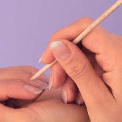 eliminare le cuticole delle unghie