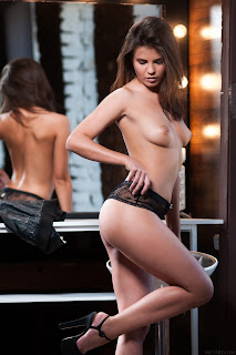 Hot Naked Girl - Zelda%2BB-S01-029.jpg