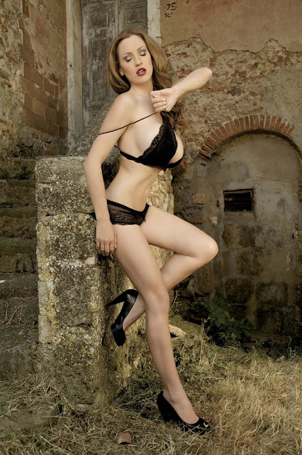 hot-Jordan-Carver-Last-Night-sexy-photoshoot-HD-Image-28