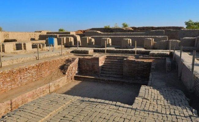 मोहनजोदड़ो का स्नानागार- Great-Bath-Mohenjo-Daro