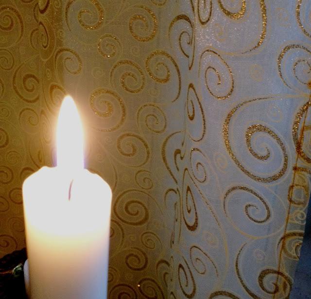 kynttilä, jouluverho