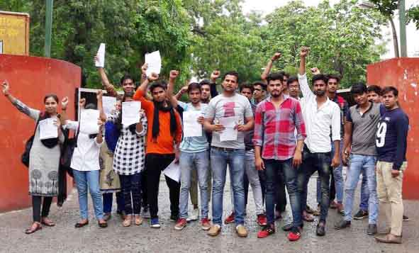 nsui-activist-and-students-agitation-at-nehru-college-faridabad