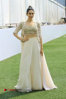 Actress Karishma Kapoor Walks For Arpita Mehta at LFW Summer 2017  0029.jpg