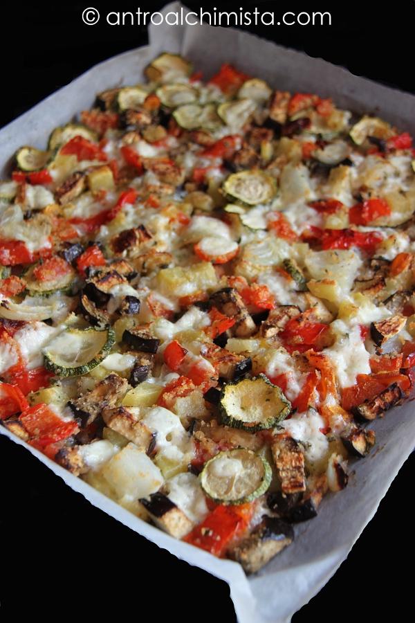 Teglia di Verdure Gratinate con Mozzarella