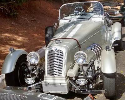 Réplica brasileira do Alfa Romeo P3 1931. A grade deste unidade foi estilizada e os bancos receberam encostos altos.
