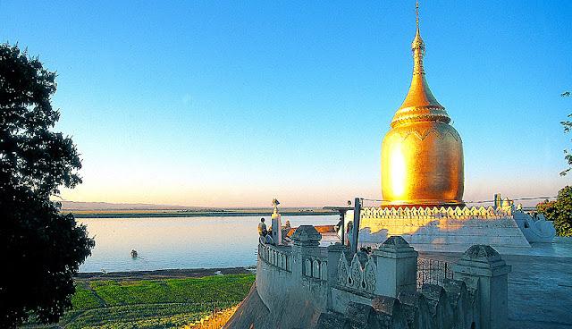 Irrawaddy River Cruise at Bagan