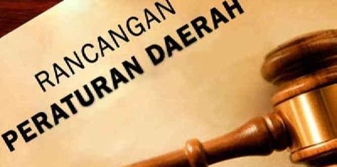 Masyarakat adat Negeri Haruku dan Sameth, Kabupaten Maluku Tengah, di Ambon, Kamis (12/4), mengeluarkan pernyataan sikap terkait dokumen dan Rancangan Peraturan Daerah (Raperda) Rencana Zonasi Wilayah Pesisir dan Pulau-pulau Kecil (RZWP3K).