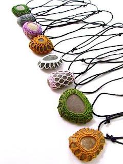 collar-crochet-piedra
