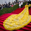 Met Gala: Rihanna's Dress!