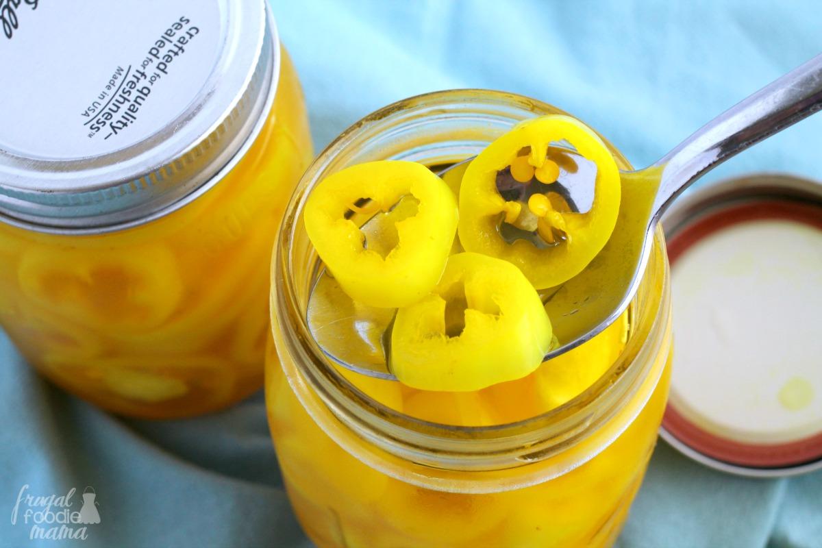 Frugal Foodie Mama: Refrigerator Pickled Pepper Rings