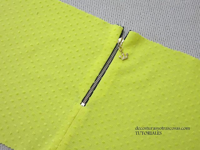 como coser una cremallera expuesta