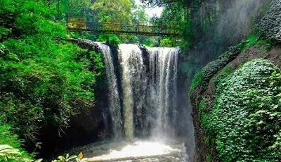 tempat wisata di bandung Air Terjun Maribaya