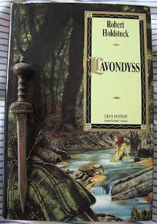 Portada del libro Lavondyss, de Robert Holdstock