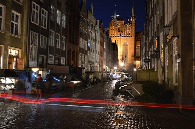 Imagen nocturna de Gdansk