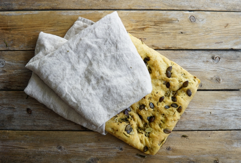 focaccialeipä, focaccia, leivonta, leivän_leipominen