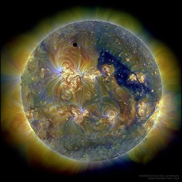 Sao Kim và Mặt Trời qua ba bước sóng tử ngoại. Hình ảnh: NASA/SDO & the AIA, EVE, and HMI teams; Hậu kỳ: Peter L. Dove.