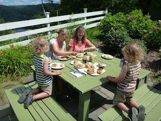 The Perfect Al Fresco Lunch: Trap Door Bakehouse, Quechee, Vermont