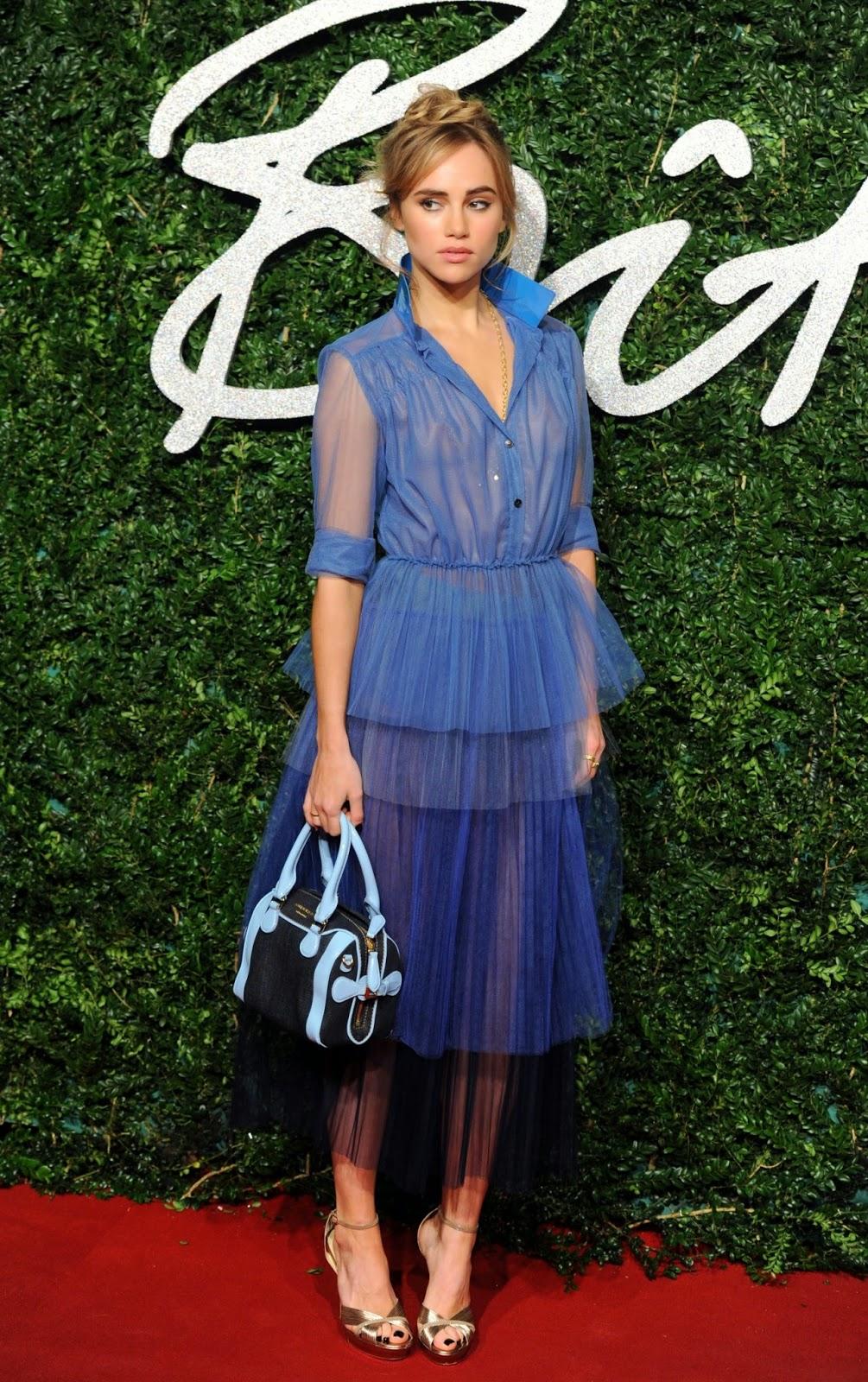 Fashion Awards 2017 In London: The Celebrity Braless Trendy : Suki Waterhouse Braless On