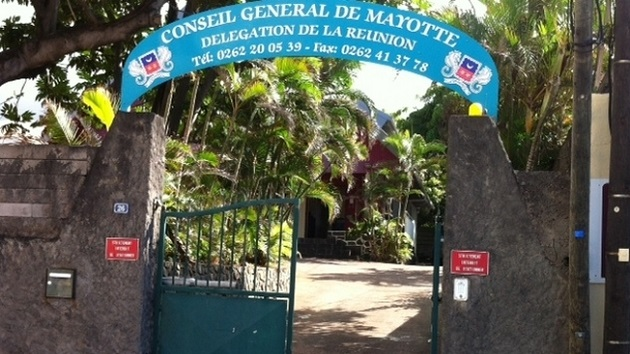 SaintDenis  des rites funraires illgaux  la Maison de Mayotte  HabarizaComorescom  Toute