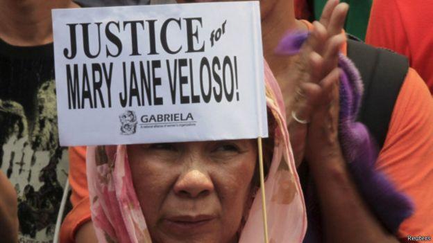 DEMO : AKsi demo di Filipina yang menuntut pembebasan Mary Jane Veloso. Photo courtesy Reuters.  Gambar dari BBC Indonesia