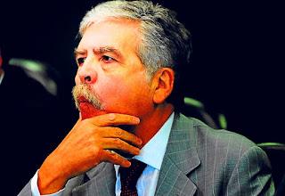 El pedido del organismo, a cargo de Laura Alonso, fue realizado ante el juez federal Claudio Bonadio, quien hace dos semanas dispuso el procesamiento de De Vido y ordenó también trabarle un embargo por 600 millones de pesos.