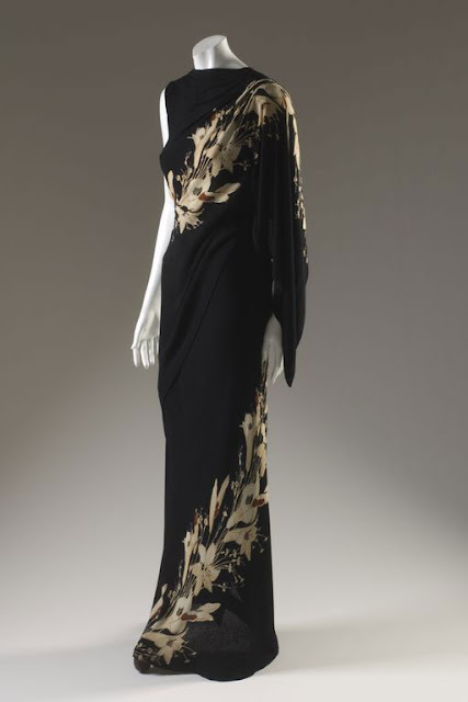Elsa-Schiaparelli-dress-printed-black