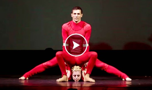 Awesome Acrobatic and Aerialists Duo Performance