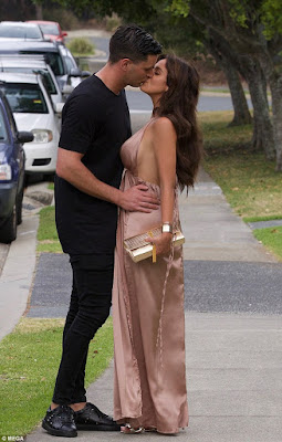 Vicky Pattison And Beau Puts PDA On Display As They Head For Dinner